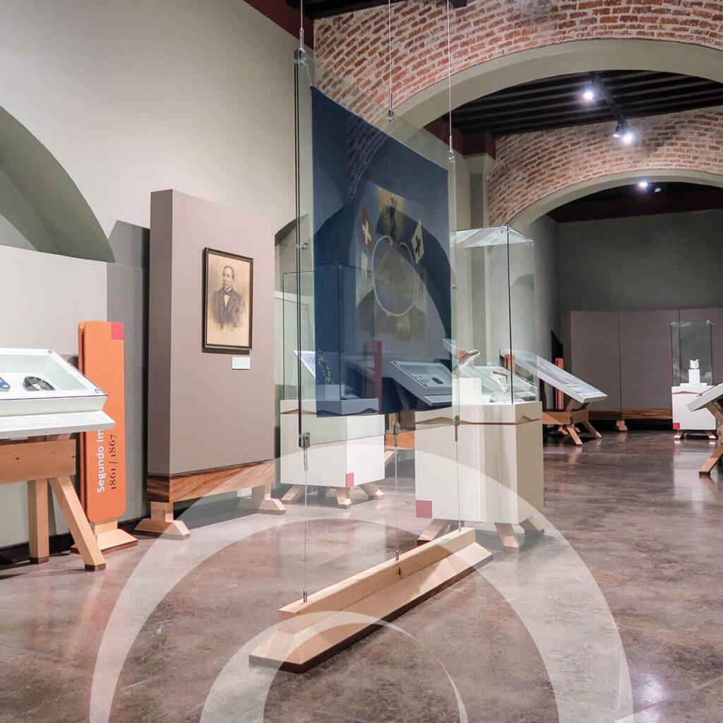 diseño industrial, mobiliario - Museo de los Conspiradores Querétaro diona